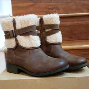 New in Box UGG Blayre Rustic Looking Boot III